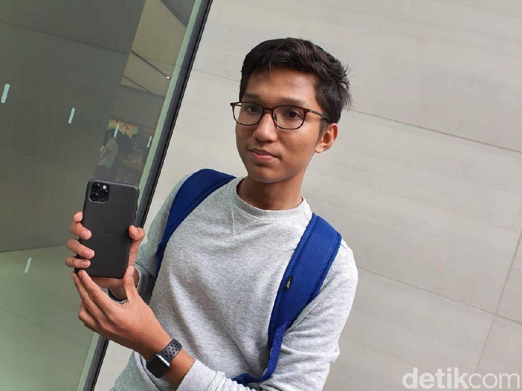 Bertahan Semalaman, Fanboy Apple Akhirnya Gaet iPhone 11 Idaman