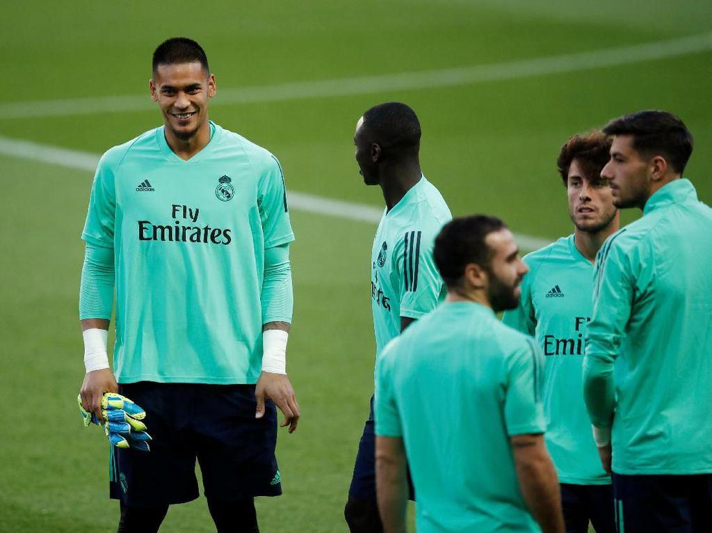 Selfie Bareng Mbappe Usai Madrid Dihajar PSG, Areola Minta Maaf
