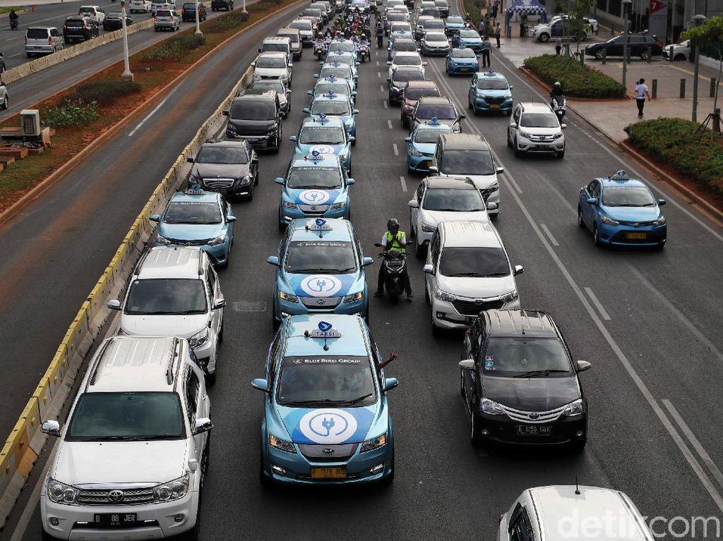 Mobil Listrik Paling Murah di RI Rp 600 Jutaan, Belum Bisa Seharga Avanza Cs