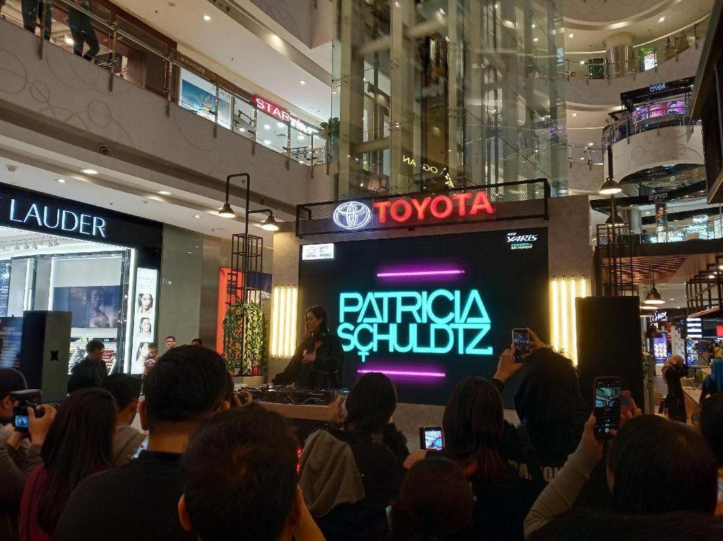 Pecah, Aksi DJ Patricia Sedot Milenial Jakarta di Yaris Beats Corner