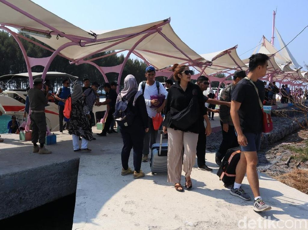 Wisatawan Mulai Padati Festival Musik di Kepulauan Seribu