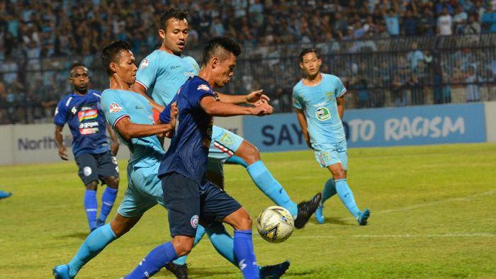 Persela Lamongan kalahkan Arema FC. (Foto: Syaiful Arif/Antara)