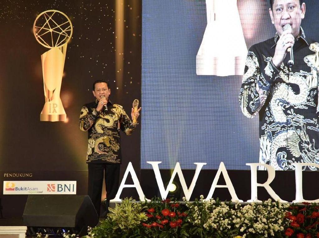 DPR RI Raih Penghargaan Indonesia Digital Initiative Awards
