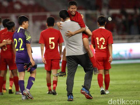 Laga timnas Indonesia vs timnas China pada Kualifikasi Piala Asia U-16 2020 berakhir imbang dengan skor 0-0. Timnas Indonesia pun gagal jadi juara Grup G.