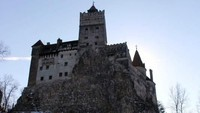 Kastil Drakula Kini Jadi Tempat Vaksinasi COVID-19 Gratis