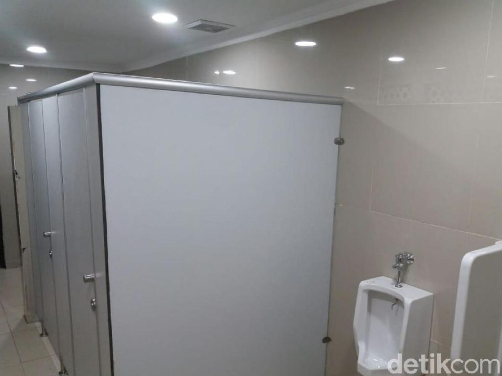 Toilet Viral Tanpa Sekat di Stasiun Ciamis Akhirnya Pakai Sekat