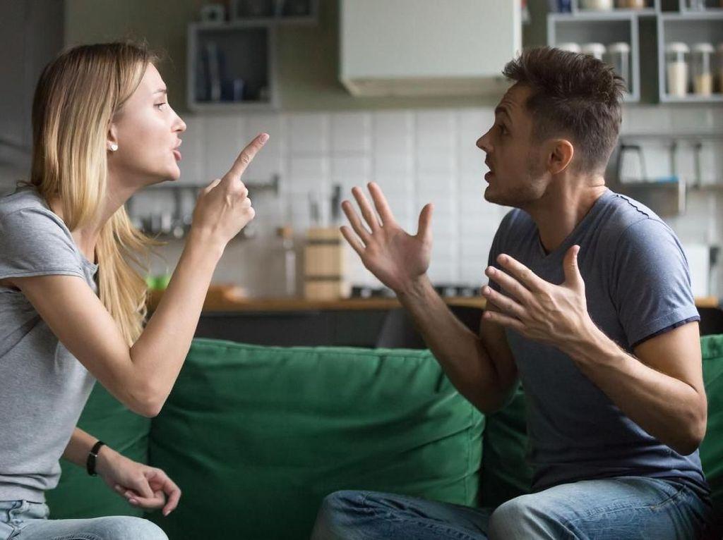 Riset: Wanita Lebih Pandai Menutupi Perselingkuhan Dibanding Pria