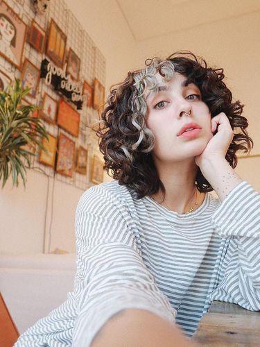 Setelah Dina Tokio, Giliran Blogger Terkenal Ini yangs Lepas Hijab