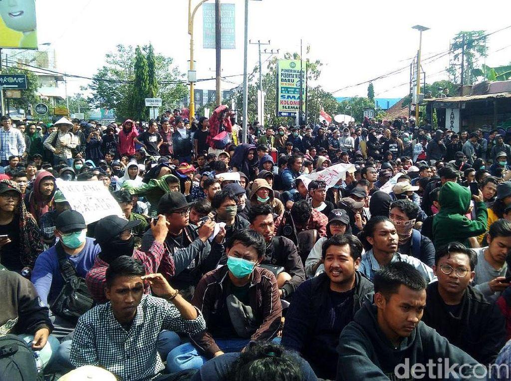 Simpang Tiga Gejayan Masih Jadi Panggung Orasi Demo Mahasiswa