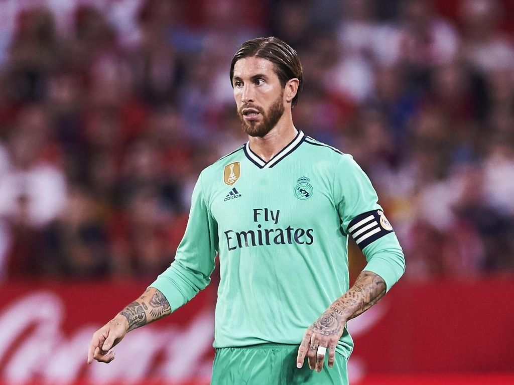 Tentang Rumor Mourinho Kembali, Ramos: Hormati Zidane Dong...
