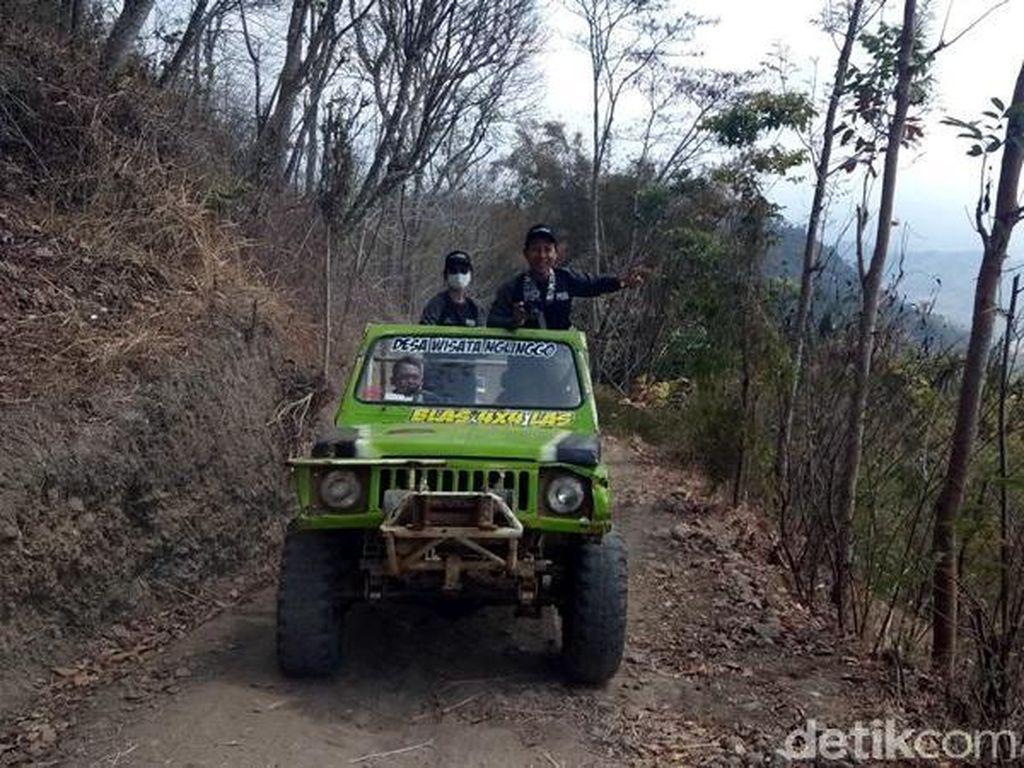 Foto: Seru! Naik Jeep Lewati Medan Ekstrem Perbukitan Menoreh