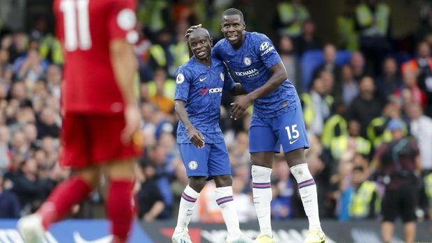 Gelandang Chelsea N'Golo Kante menolak bermain di tengah pandemi.