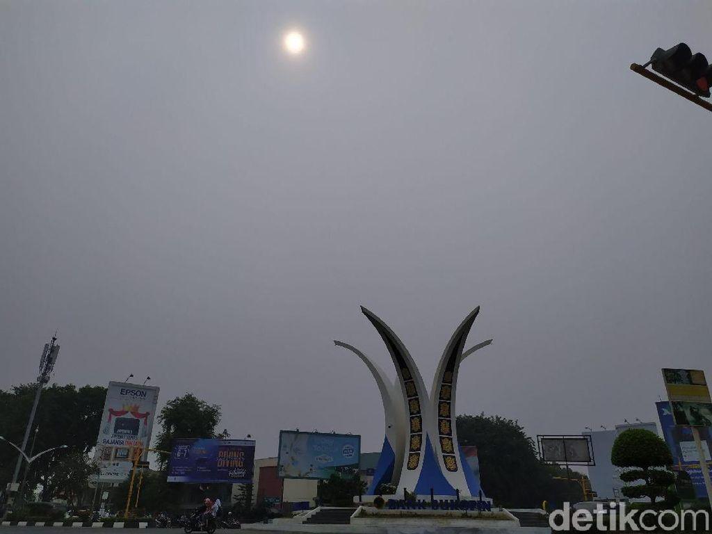 Banda Aceh Diselimuti Kabut Asap, Walkot Imbau Warga Kurangi Aktivitas di Luar