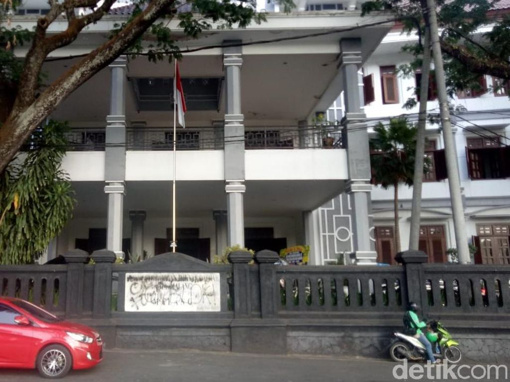 Vandalisme Nodai Aksi Mahasiswa Tuntut Pencabutan RKUHP di Malang