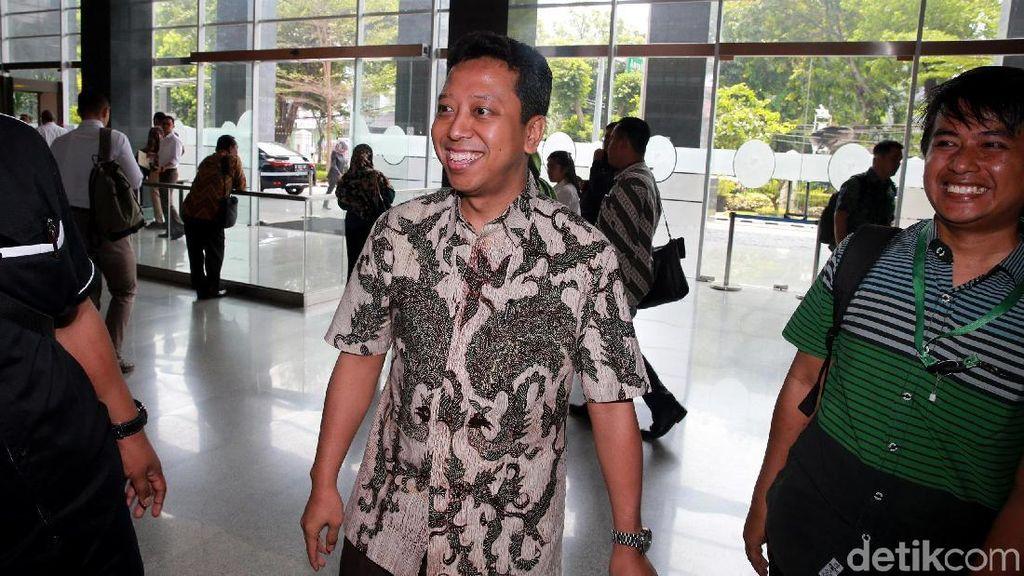 Senyum Semringah Rommy di Sidang Lanjutan Kasus Korupsi