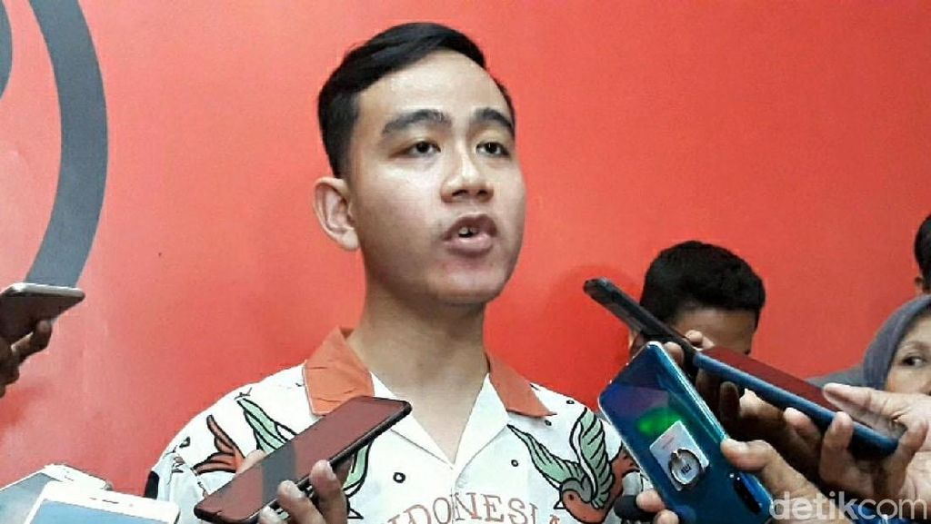 Sambangi Kantor DPC PDIP Surakarta, Gibran Daftar Jadi Cawalkot