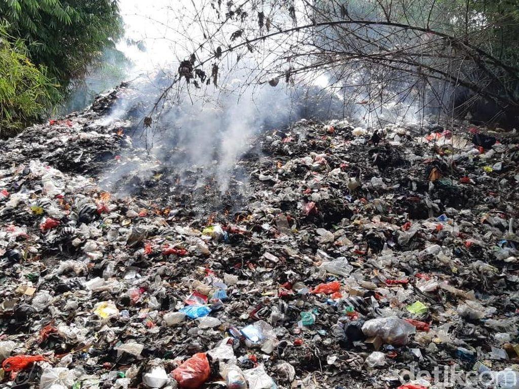 Camat Sukaraja Baru Tahu Ada Gunung Sampah 16 Meter di Cilebut Bogor