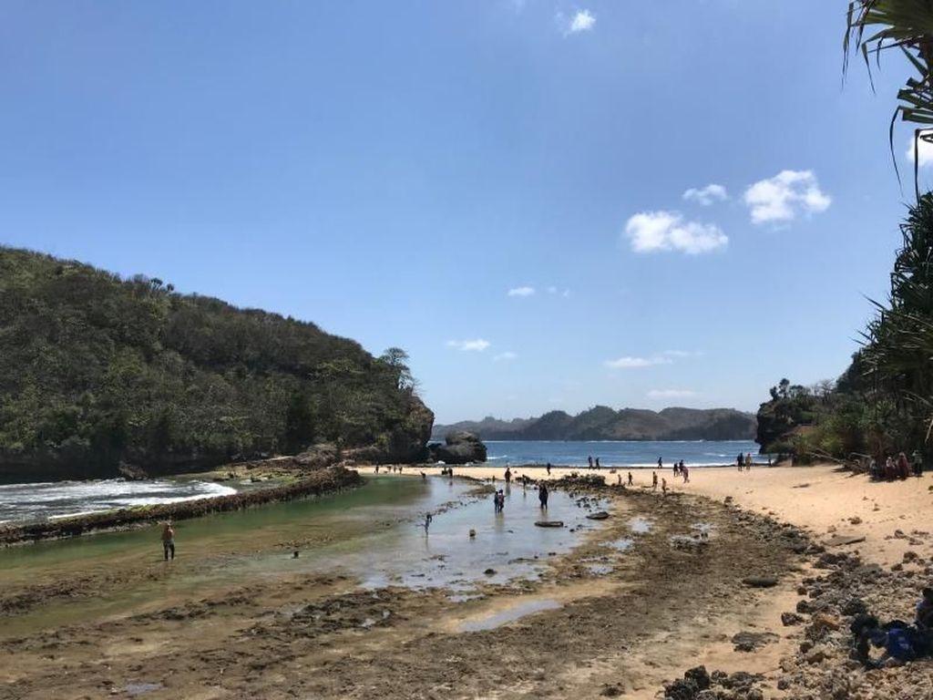 Foto: Beginilah Pantai-pantai yang Cantik di Malang