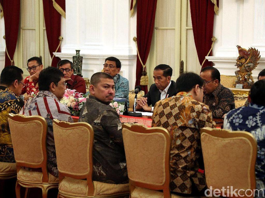 Jokowi Bahas RKUHP Bareng DPR di Istana Merdeka