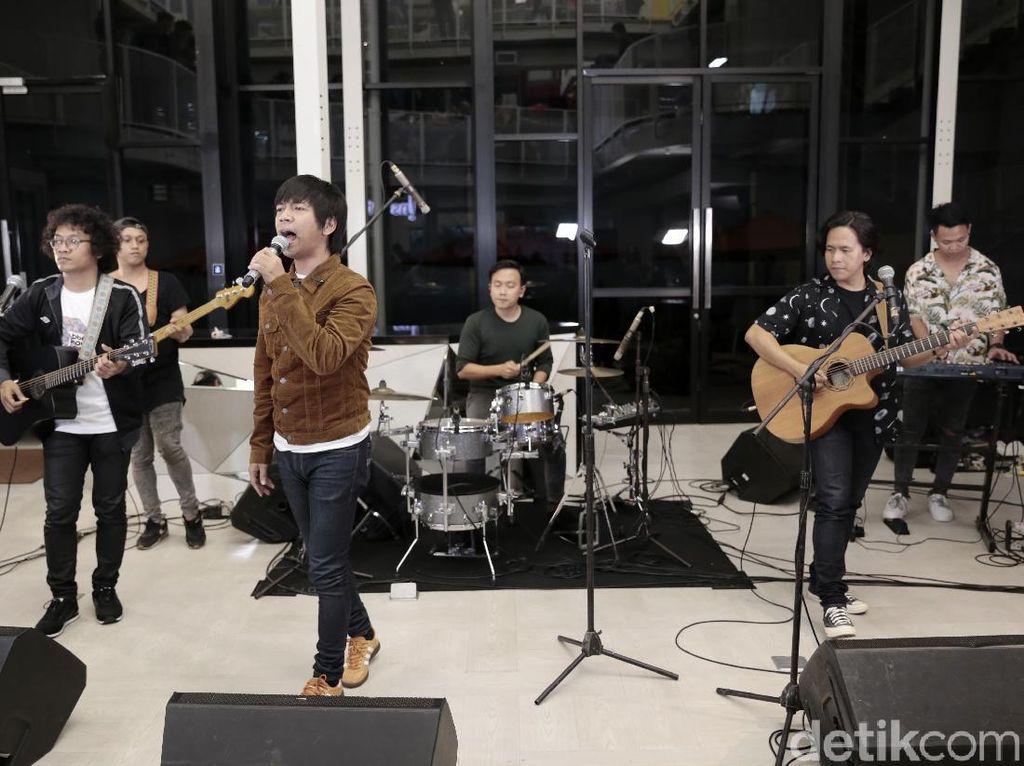 Hasil Rekaman di Abbey Road Hadiah HUT 17 DMASIV ke Fans