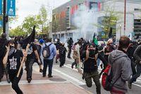 Terjebak Kerusuhan, Jangan Panik dan Ikuti Panduan Berikut