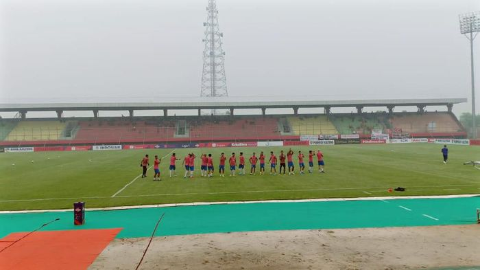 PSIS Semarang pemanasan di Stadion Stadion Tuah Pahoe, Palangkaraya. (Foto: dok.Istimewa)