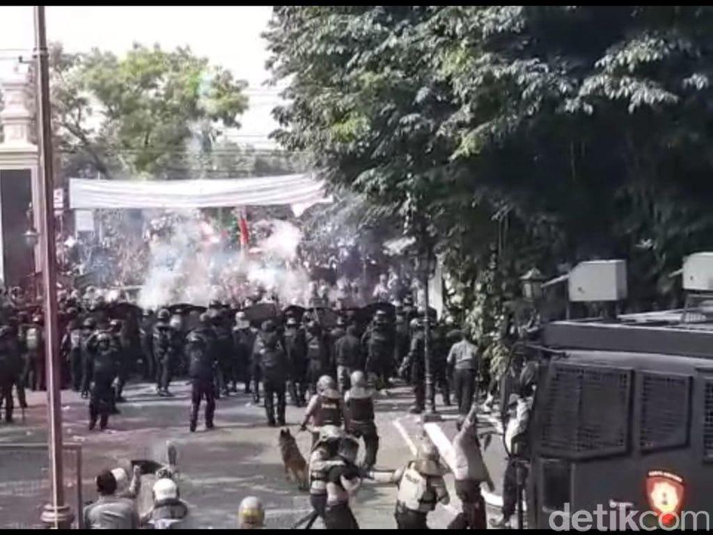 Ricuh Aksi #BengawanMelawan, Satu Orang Diamankan Polisi