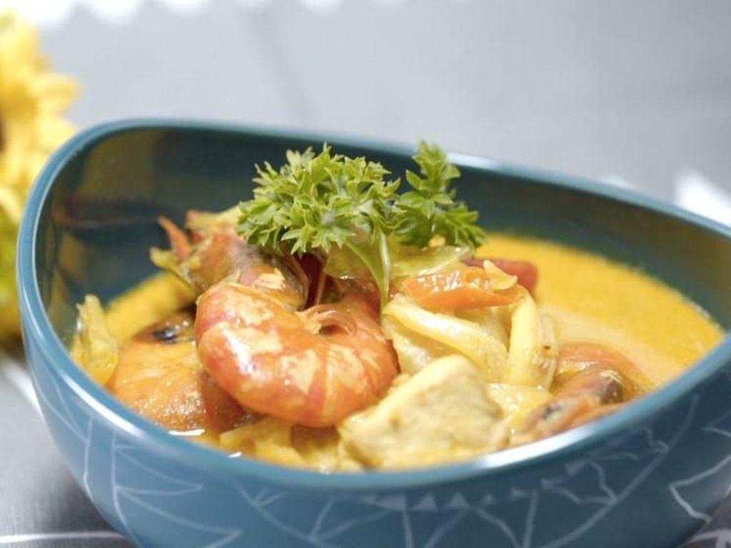 Menu Harian Ramadhan ke-22 : Kenyang Santap Sahur Tongseng Seafood yang Gurih