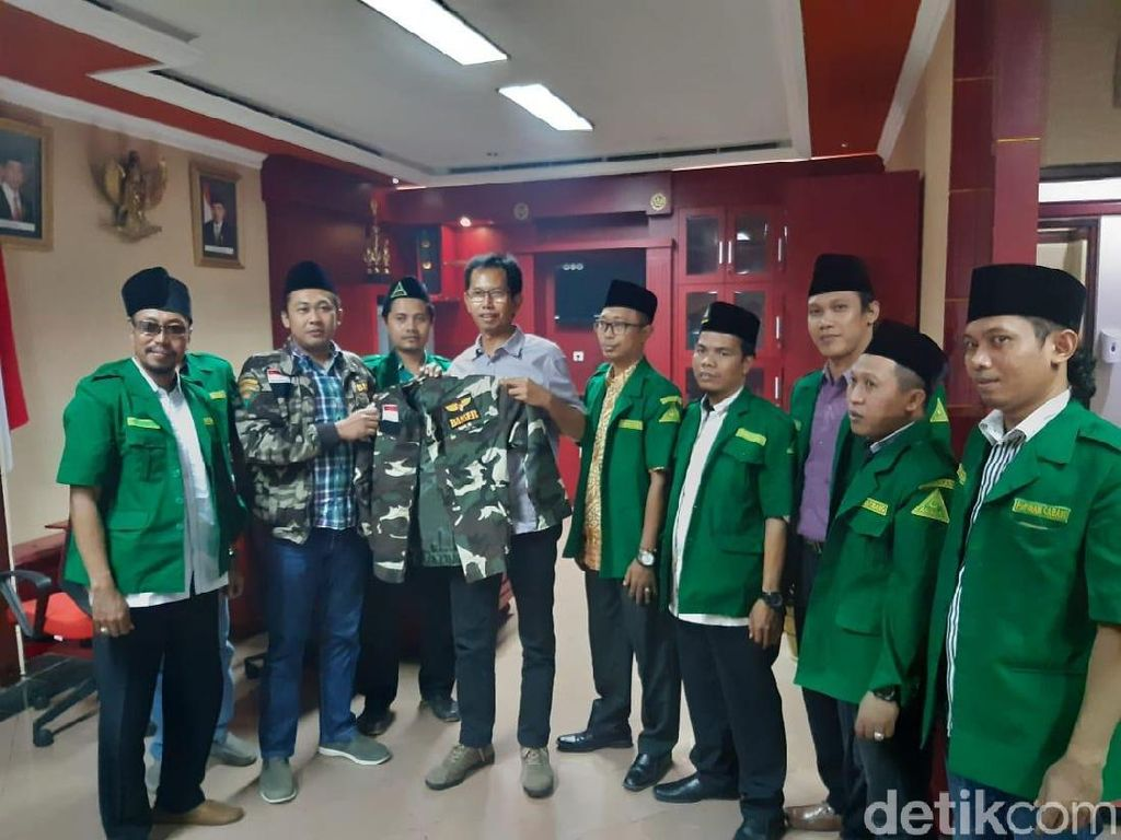 Ketua DPRD Surabaya Jadi Warga Kehormatan GP Ansor