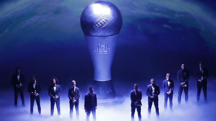 FIFA World Men Eleven team during the Best FIFA soccer awards ceremony, in Milans La Scala theater, northern Italy, Monday, Sept. 23, 2019. (AP Photo/Antonio Calanni)