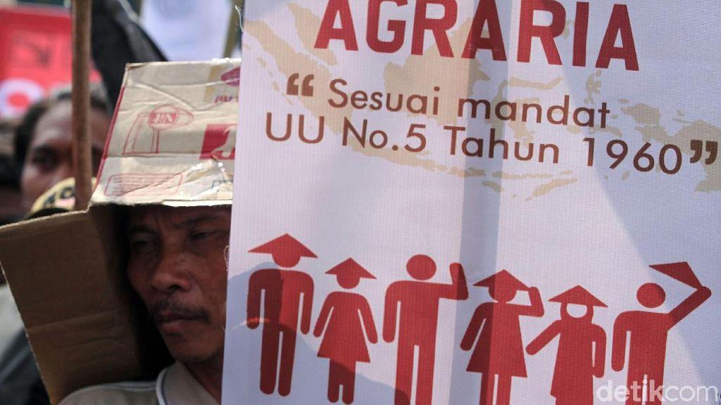 Massa Petani Mulai Aksi di Gedung DPR