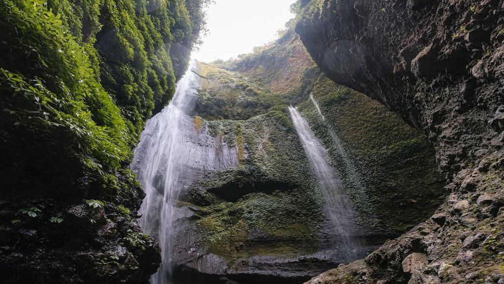 Potret Air Terjun Abadi di Pulau Jawa