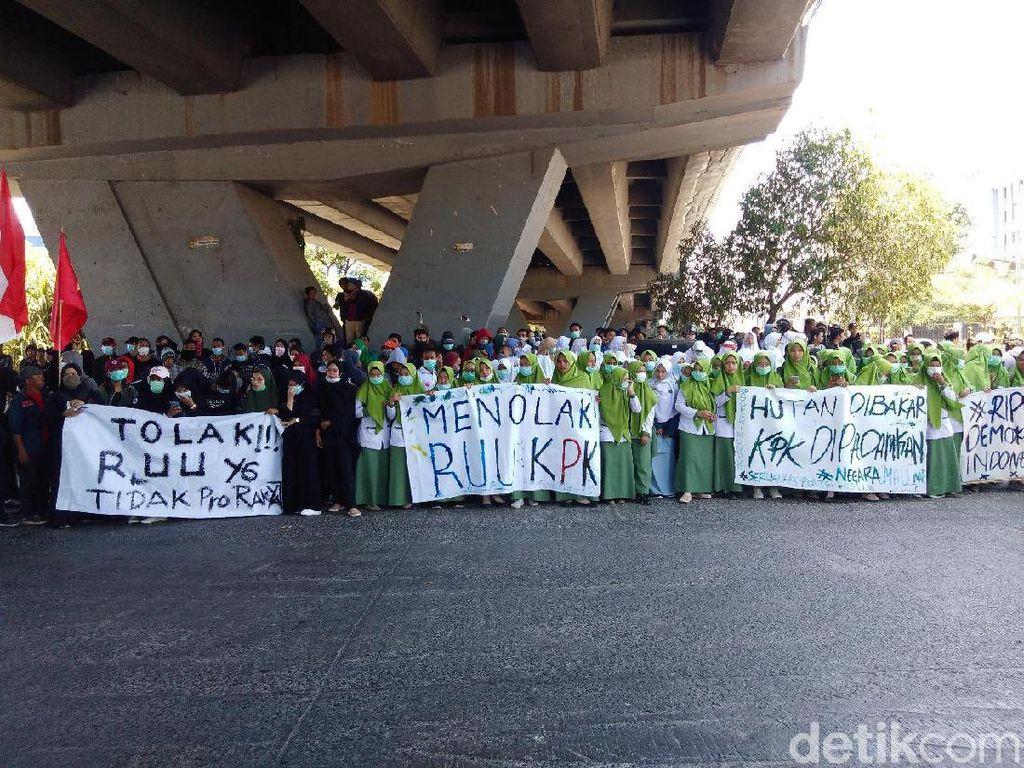 Marak Aksi Demo, Darmin: Jangan Bilang Pemerintah Nggak Ada Langkah