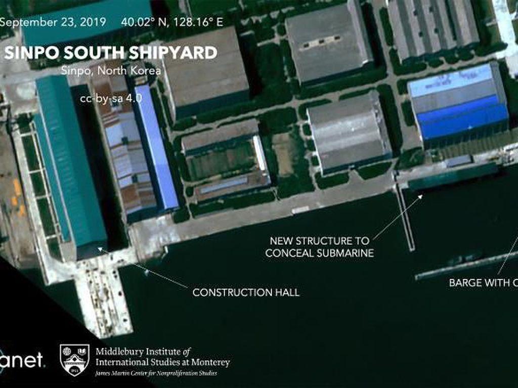 Citra Satelit Tunjukkan Korut Tutup-tutupi Peluncuran Kapal Selam Baru