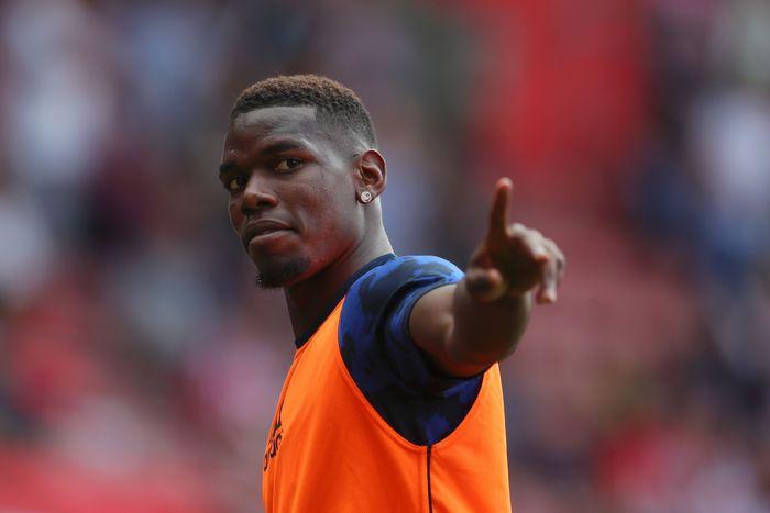 Sudah berulang kali Paul Pogba digosipkan akan pergi dari Manchester United. Gosipnya diyakini tak akan surut dalam waktu dekat, media-media Inggris ramai melaporkan kalau sang gelandang punya peluang besar angkat kaki di musim dingin ini. (Catherine Ivill / Getty Images)