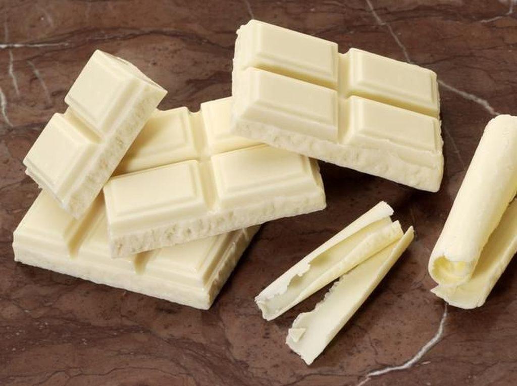 Kenapa White Chocolate Tidak Berwarna Cokelat?
