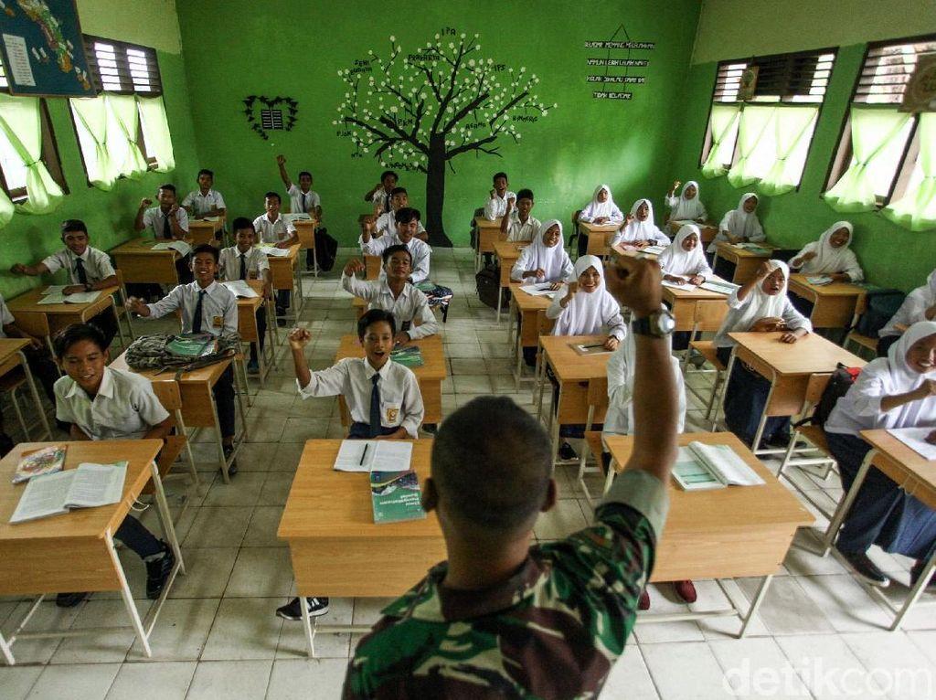 Semangat Siswa SMP di Pulau Terluar RI Belajar Wawasan Kebangsaan