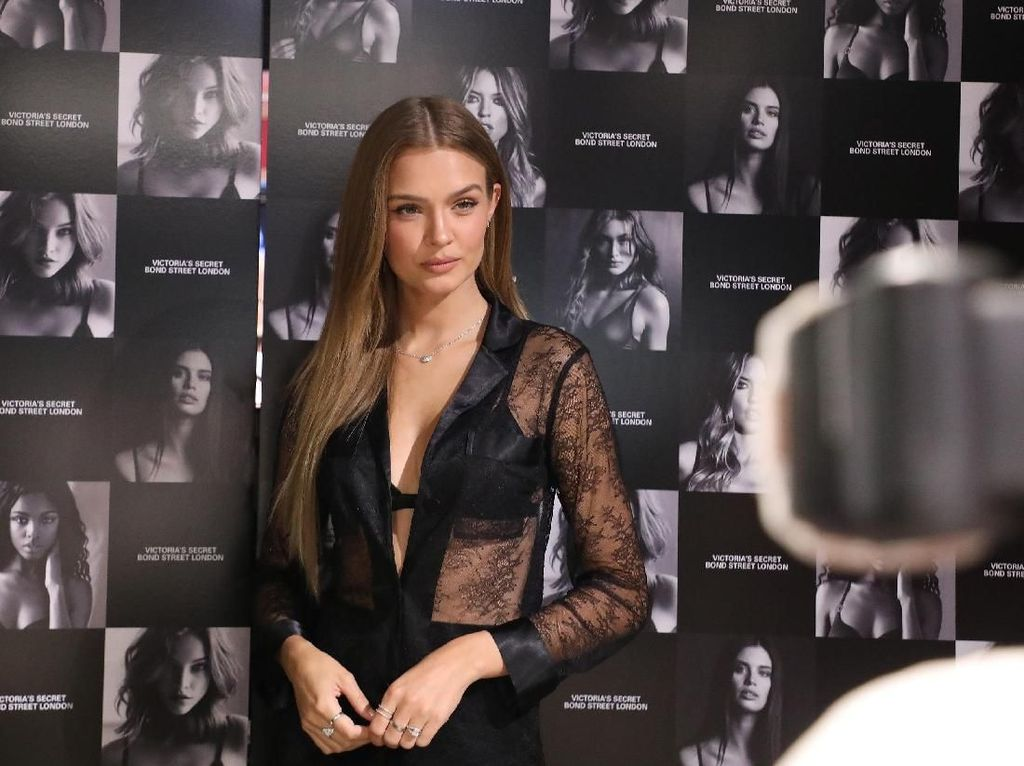 Josephine Skriver: Dulu Pemain Bola, Kini Model Victorias Secret
