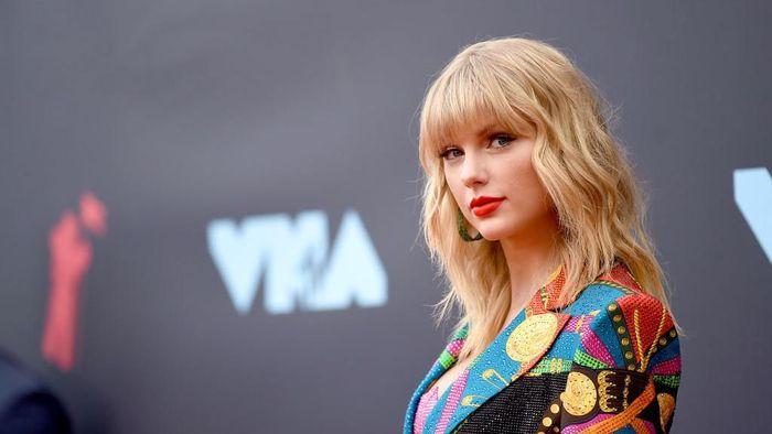Sepakbola sedang berusaha untuk bersaing dengan Taylor Swift. (Foto: Jamie McCarthy/Getty Images)