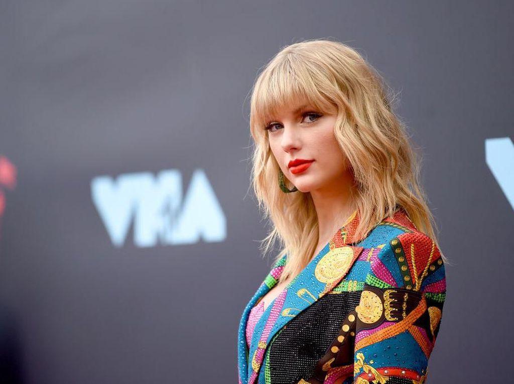 Dimabuk Asmara, Taylor Swift Ragu Tak Bisa Lagi Tulis Lagu Sedih