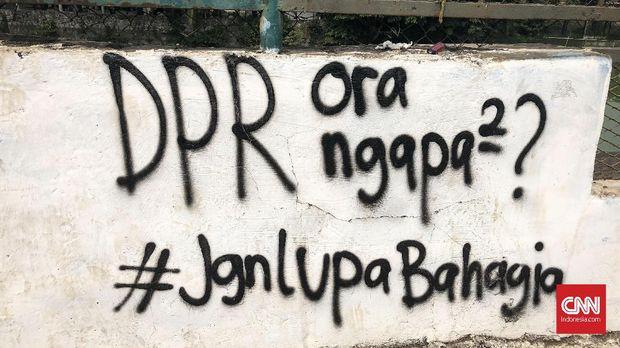 Aroma Gas Air Mata dan Jejak Perlawanan Mahasiswa di Senayan