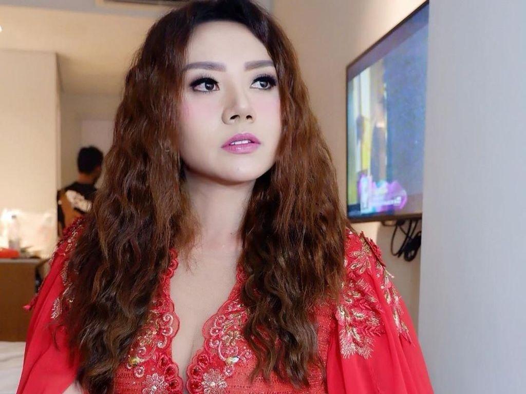 Iva Lola Jadi Kambing Hitam Batalnya Pertunangan Vicky-Sahila?