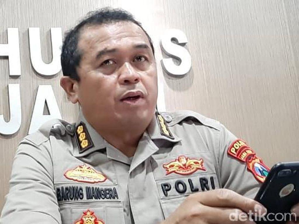 Terduga Teroris yang Ditangkap di Pasuruan Dibawa ke Mabes Polri