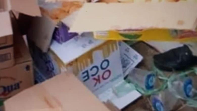 Pembagian Air Minum OK OCE di Demo Viral, Siapa yang Membagikan?