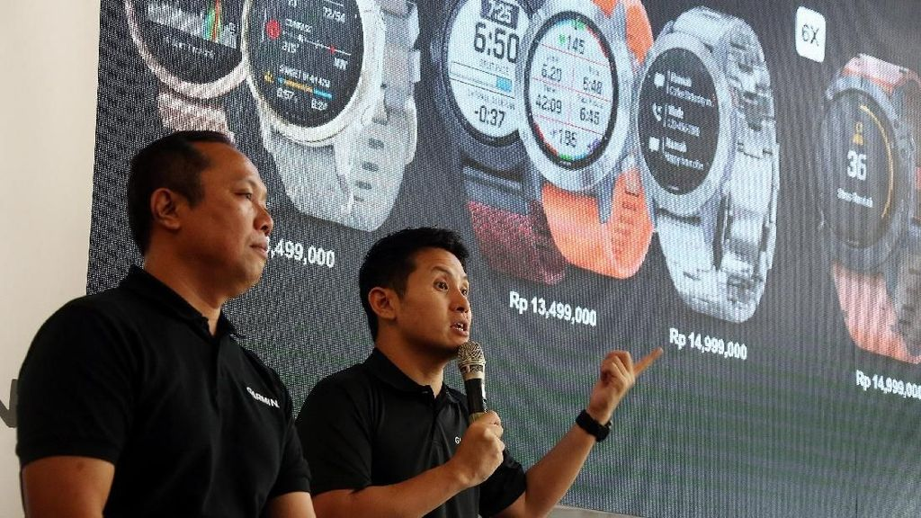 Peluncuran Smartwatch Multifungsi