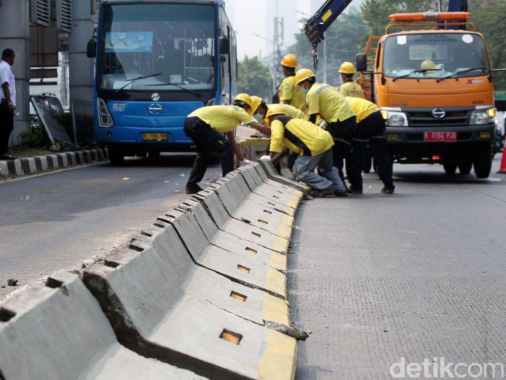 Paska Demo Rusuh Pembatas Busway Gatsu Mulai Diperbaiki