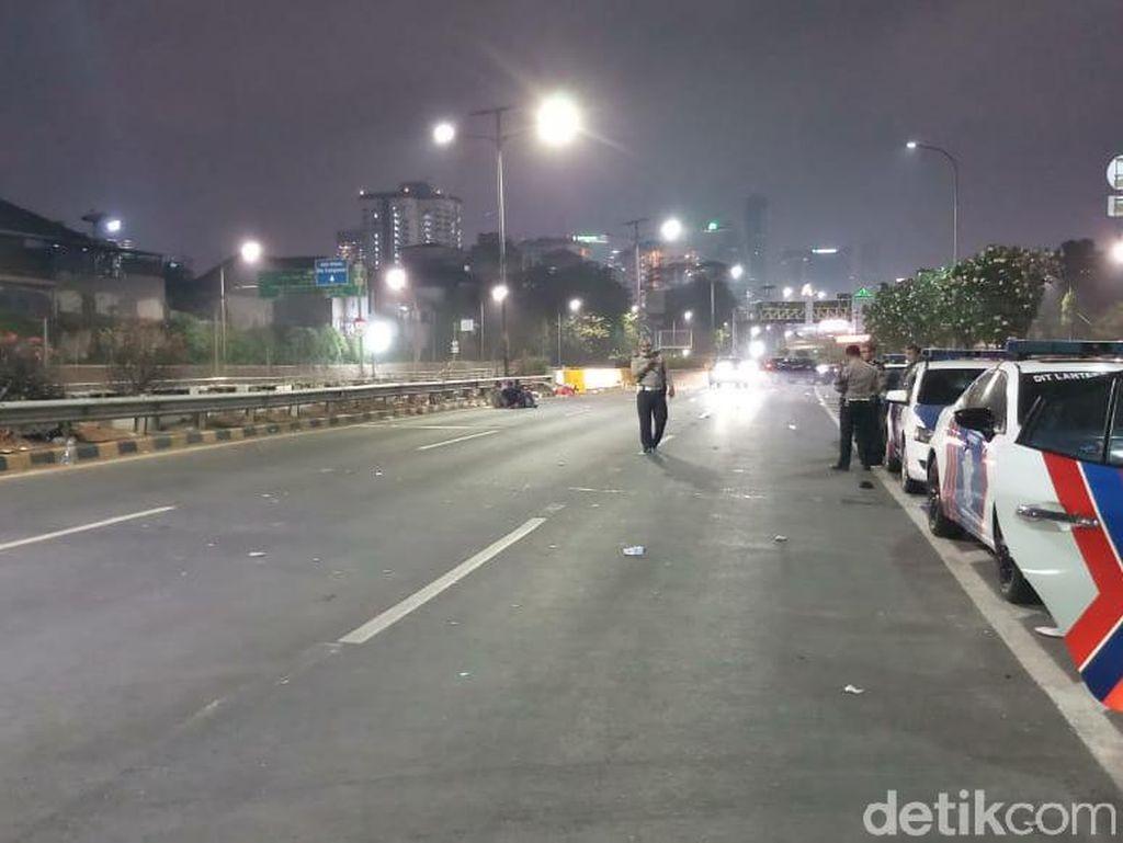 Tol Dalkot Ditutup Gara-gara Demo Rusuh, Pengusaha Angkutan Rugi?