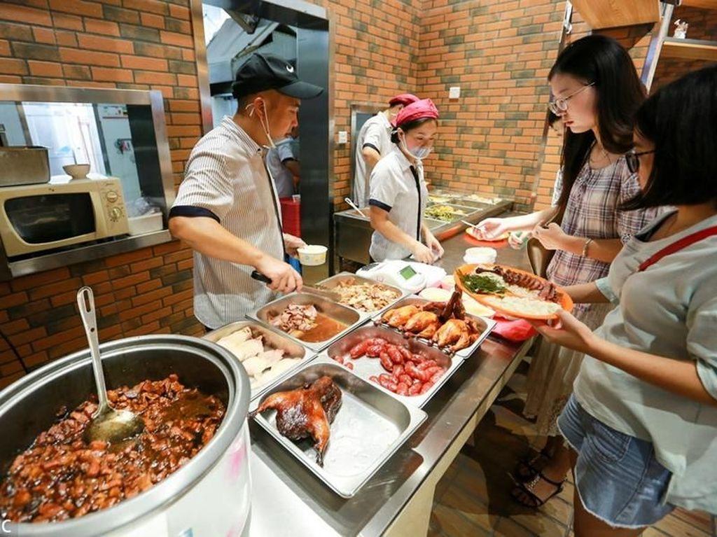 Diam-diam Universitas Ini Beri Makanan Gratis untuk Mahasiswa Tak Mampu