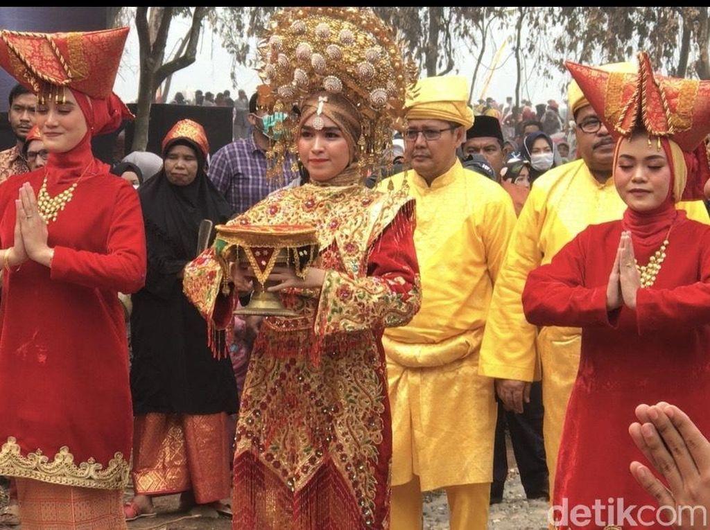 Meriahnya Pesta Rakyat Festival Pamalayu di Dharmasraya