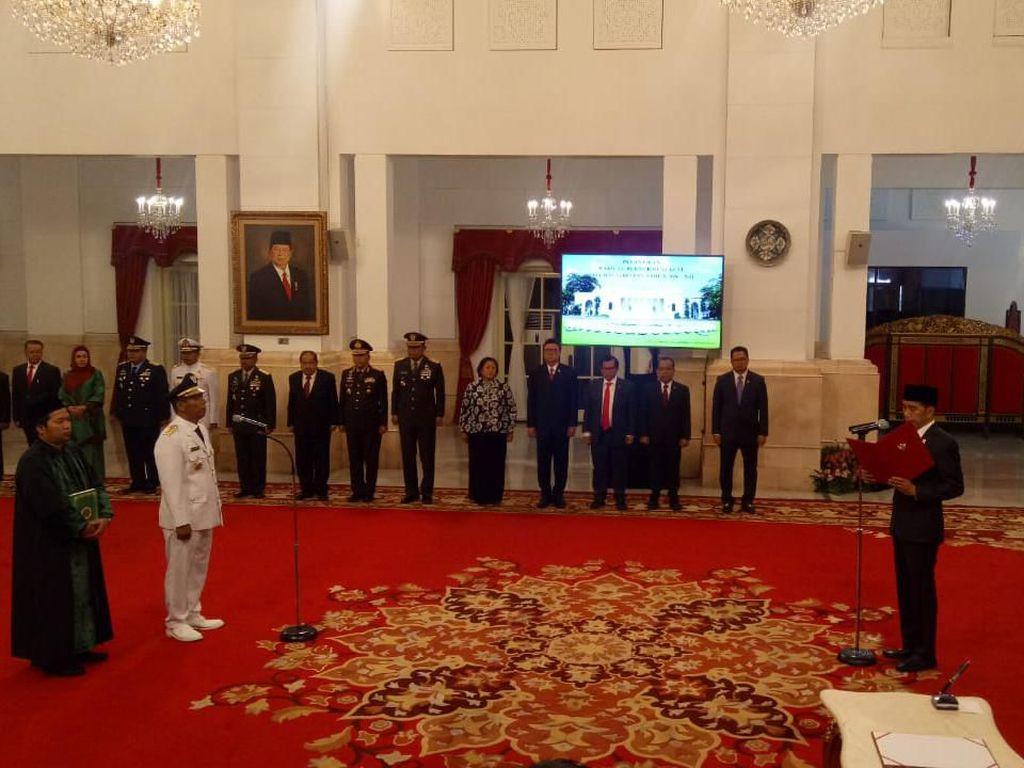 Jokowi Lantik Wagub Bengkulu Dedy Ermansyah di Istana